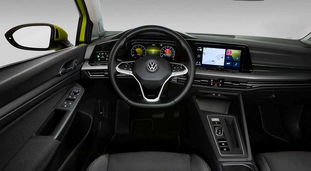 Салон Volkswagen Golf 2020